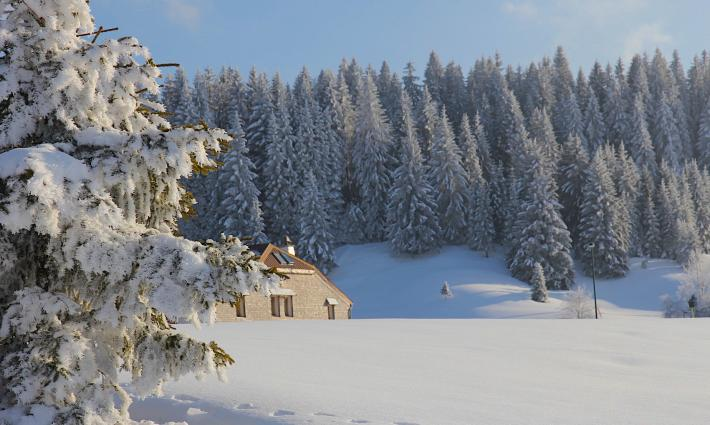 Chambres d htes jura beautiful chambre d hote jura suisse images chambre chambre d hote with - Chambre d hote de charme lac de come ...